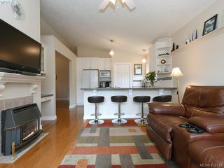 Photo 7: 1 901 Kentwood Lane in VICTORIA: SE Broadmead Row/Townhouse for sale (Saanich East)  : MLS®# 422124
