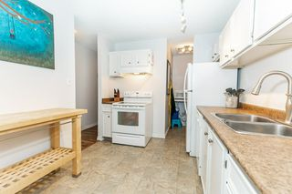 Photo 14: 5712 172 Street in Edmonton: Zone 20 Carriage for sale : MLS®# E4200326