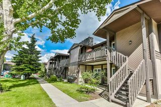 Photo 1: 5712 172 Street in Edmonton: Zone 20 Carriage for sale : MLS®# E4200326