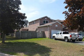 Photo 1: 42 Poolton Crescent in Clarington: Courtice House (2-Storey) for sale : MLS®# E4869220