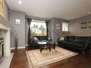 Photo 3: 2390 Halcyon Pl in : CS Tanner House for sale (Central Saanich)  : MLS®# 860768