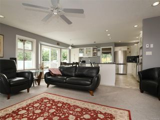 Photo 9: 2390 Halcyon Pl in : CS Tanner House for sale (Central Saanich)  : MLS®# 860768