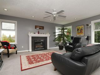 Photo 8: 2390 Halcyon Pl in : CS Tanner House for sale (Central Saanich)  : MLS®# 860768