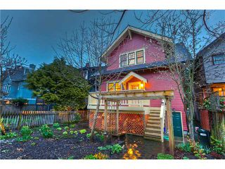 Photo 2: 2864 W 3RD Avenue in Vancouver: Kitsilano House for sale (Vancouver West)  : MLS®# V880454