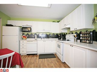 "Photo 7: 210 20189 54TH Avenue in Langley: Langley City Condo for sale in ""Catalina Gardens"" : MLS®# F1127563"