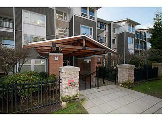 """Photo 10: 210 6888 SOUTHPOINT Drive in Burnaby: South Slope Condo for sale in """"CORTINA"""" (Burnaby South)  : MLS®# V1056832"""