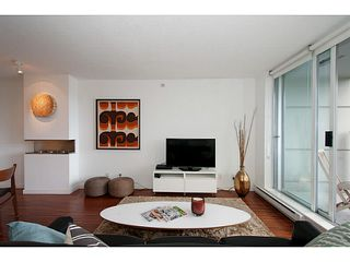 "Photo 4: 318 328 E 11TH Avenue in Vancouver: Mount Pleasant VE Condo for sale in ""Uno"" (Vancouver East)  : MLS®# V1061290"