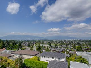 Main Photo: 2701 W 30TH Avenue in Vancouver: MacKenzie Heights House for sale (Vancouver West)  : MLS®# V1071570