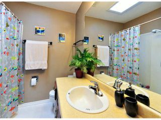 """Photo 16: 14890 SOUTHMERE Place in Surrey: Sunnyside Park Surrey House for sale in """"SOUTHMERE VILLAGE"""" (South Surrey White Rock)  : MLS®# F1425031"""