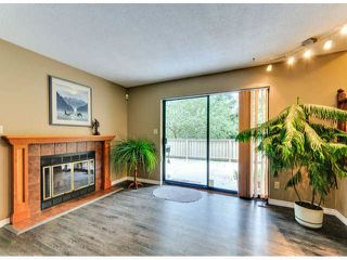 """Photo 10: 14890 SOUTHMERE Place in Surrey: Sunnyside Park Surrey House for sale in """"SOUTHMERE VILLAGE"""" (South Surrey White Rock)  : MLS®# F1425031"""