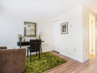 "Photo 4: 104 811 W 7TH Avenue in Vancouver: Fairview VW Townhouse for sale in ""WILLOW MEWS"" (Vancouver West)  : MLS®# V1110537"