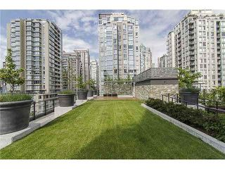 """Photo 16: 906 1088 RICHARDS Street in Vancouver: Yaletown Condo for sale in """"RICHARDS"""" (Vancouver West)  : MLS®# V1115263"""
