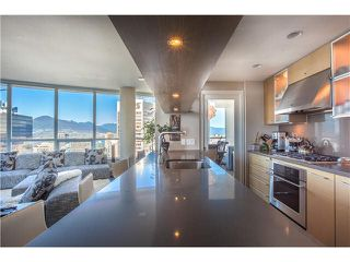 """Photo 3: 3805 833 SEYMOUR Street in Vancouver: Downtown VW Condo for sale in """"CAPITOL RESIDENCES"""" (Vancouver West)  : MLS®# V1122249"""