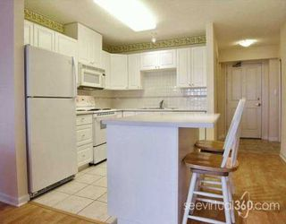 "Photo 3: 1002 612 6TH ST in New Westminster: Uptown NW Condo for sale in ""THE WOODWARD"" : MLS®# V612401"
