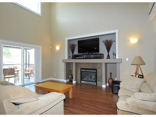 "Photo 2: 10369 ROBERTSON Street in Maple Ridge: Albion House for sale in ""THORNHILL HEIGHTS"" : MLS®# V1135215"
