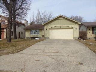 Photo 1: 7 Oswald Bay in Winnipeg: Charleswood Residential for sale (South Winnipeg)  : MLS®# 1607539