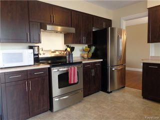Photo 3: 7 Oswald Bay in Winnipeg: Charleswood Residential for sale (South Winnipeg)  : MLS®# 1607539
