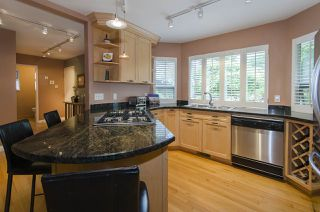 Photo 3: 2151 KIRKSTONE Place in North Vancouver: Lynn Valley House for sale : MLS®# R2073346