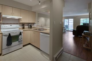 "Photo 8: 19 123 SEVENTH Street in New Westminster: Uptown NW Townhouse for sale in ""ROYAL CITY TERRACE"" : MLS®# R2077015"