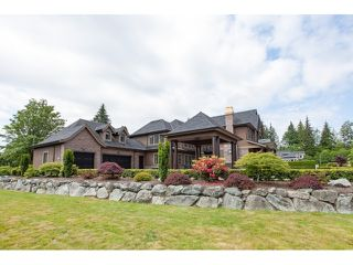 "Photo 2: 31538 KENNEY Avenue in Mission: Mission BC House for sale in ""Golf Course"" : MLS®# R2077047"
