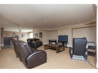 """Photo 18: 31538 KENNEY Avenue in Mission: Mission BC House for sale in """"Golf Course"""" : MLS®# R2077047"""