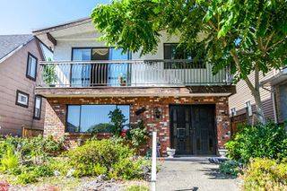 Photo 1: 3855 PARKER Street in Burnaby: Willingdon Heights House for sale (Burnaby North)  : MLS®# R2085817