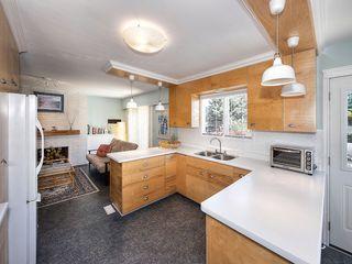 "Photo 10: 5519 5B Avenue in Delta: Pebble Hill House for sale in ""PEBBLE HILL"" (Tsawwassen)  : MLS®# R2101211"