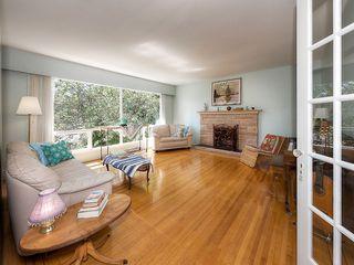 "Photo 2: 5519 5B Avenue in Delta: Pebble Hill House for sale in ""PEBBLE HILL"" (Tsawwassen)  : MLS®# R2101211"
