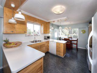 "Photo 9: 5519 5B Avenue in Delta: Pebble Hill House for sale in ""PEBBLE HILL"" (Tsawwassen)  : MLS®# R2101211"