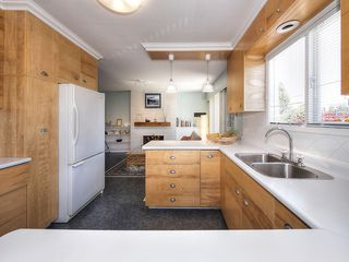 "Photo 12: 5519 5B Avenue in Delta: Pebble Hill House for sale in ""PEBBLE HILL"" (Tsawwassen)  : MLS®# R2101211"