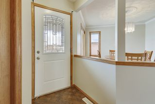 Photo 2: 28 Arbour Ridge Place NW in Calgary: House for sale : MLS®# C4025395
