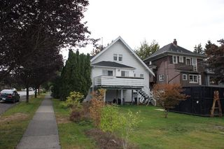 "Photo 2: 103 W 17TH Avenue in Vancouver: Cambie House for sale in ""Cambie Village"" (Vancouver West)  : MLS®# R2105574"