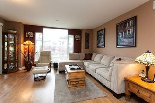 Photo 1: 204 19121 FORD Road in Pitt Meadows: Central Meadows Condo for sale : MLS®# R2122858