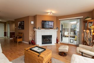 Photo 4: 204 19121 FORD Road in Pitt Meadows: Central Meadows Condo for sale : MLS®# R2122858
