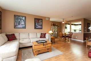 Photo 3: 204 19121 FORD Road in Pitt Meadows: Central Meadows Condo for sale : MLS®# R2122858