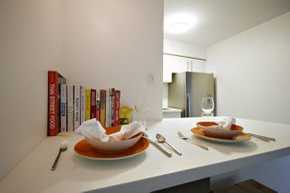 """Photo 5: 202 2120 W 2ND Avenue in Vancouver: Kitsilano Condo for sale in """"ARBUTUS PLACE"""" (Vancouver West)  : MLS®# R2149940"""