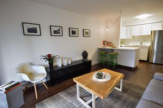 """Photo 2: 202 2120 W 2ND Avenue in Vancouver: Kitsilano Condo for sale in """"ARBUTUS PLACE"""" (Vancouver West)  : MLS®# R2149940"""