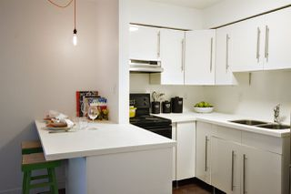 """Photo 7: 202 2120 W 2ND Avenue in Vancouver: Kitsilano Condo for sale in """"ARBUTUS PLACE"""" (Vancouver West)  : MLS®# R2149940"""