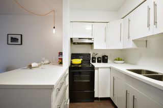 """Photo 8: 202 2120 W 2ND Avenue in Vancouver: Kitsilano Condo for sale in """"ARBUTUS PLACE"""" (Vancouver West)  : MLS®# R2149940"""