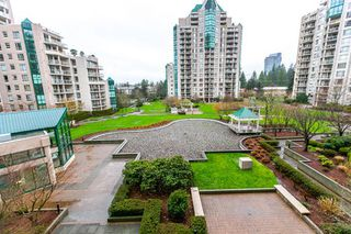 "Photo 14: 404 1199 EASTWOOD Street in Coquitlam: North Coquitlam Condo for sale in ""THE SELKIRK"" : MLS®# R2151321"