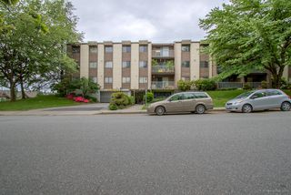 "Photo 2: 220 3921 CARRIGAN Court in Burnaby: Government Road Condo for sale in ""LOUGHEED ESTATES"" (Burnaby North)  : MLS®# R2173990"