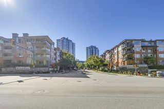 "Photo 18: 221 700 KLAHANIE Drive in Port Moody: Port Moody Centre Condo for sale in ""Boardwalk"" : MLS®# R2206662"
