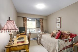"Photo 11: 221 700 KLAHANIE Drive in Port Moody: Port Moody Centre Condo for sale in ""Boardwalk"" : MLS®# R2206662"