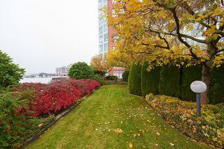 """Photo 20: 1504 130 E 2ND Street in North Vancouver: Lower Lonsdale Condo for sale in """"THE OLYMPIC"""" : MLS®# R2220070"""