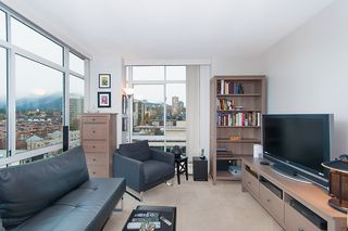 """Photo 16: 1504 130 E 2ND Street in North Vancouver: Lower Lonsdale Condo for sale in """"THE OLYMPIC"""" : MLS®# R2220070"""