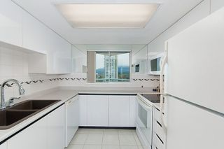 """Photo 11: 1504 130 E 2ND Street in North Vancouver: Lower Lonsdale Condo for sale in """"THE OLYMPIC"""" : MLS®# R2220070"""