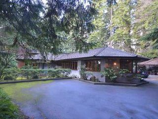 Photo 1: 543 EASTCOT Road in West Vancouver: Home for sale : MLS®# V987621