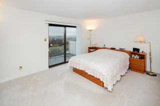Photo 12: 7420 LYTHAM Place in Burnaby: Simon Fraser Univer. House for sale (Burnaby North)  : MLS®# R2230430