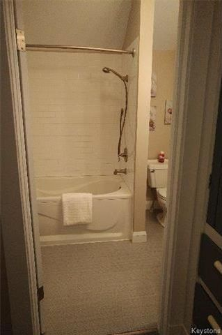 Photo 5: 557 Rosedale Avenue in Winnipeg: Fort Rouge Residential for sale (1Aw)  : MLS®# 1802100