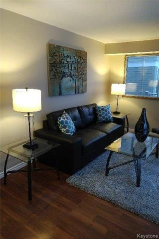 Photo 7: 557 Rosedale Avenue in Winnipeg: Fort Rouge Residential for sale (1Aw)  : MLS®# 1802100